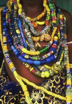 TransAfrica - blog: Krobo - Il popolo delle perle colorate