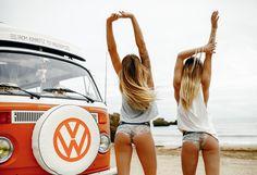 Van life is always the best life ! Volkswagen Transporter, Volkswagen Minibus, Bus Camper, Volkswagen Bus, Vw Volkswagen, Campers, Sexy Cars, Hot Cars, Combi Ww