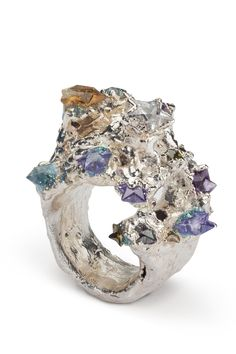 Explosion Medium precious metal ring.