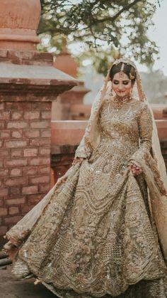 Latest Bridal Dresses, Desi Wedding Dresses, Asian Bridal Dresses, Asian Wedding Dress, Pakistani Wedding Outfits, Indian Bridal Outfits, Indian Fashion Dresses, Designer Wedding Dresses, Wedding Lehnga