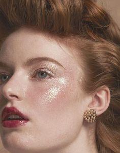 Rosy Girl by Kerry and Rozenn – pink unicorn makeup style Makeup Trends, Makeup Inspo, Makeup Art, Makeup Inspiration, Makeup Tips, Hair Makeup, Rosy Makeup, Glitter Face Makeup, Glitter Eyeshadow