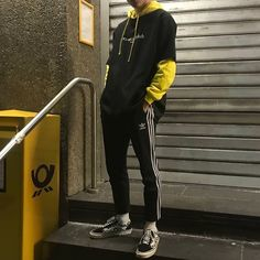 mode masculine edgy qui a l'air fabuleux …. 770624 – … edgy men's fashion that looks fabulous …. Edgy Outfits, Mode Outfits, Grunge Outfits, Fashion Outfits, Fashion Boots, Fashion Male, Korean Fashion, Edgy Mens Fashion, Mens Streetwear Fashion