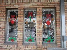 christmas window painting | Artistic Murals: Window painting Christmas and Holiday windows