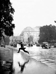 Anonymous photographer at Hyde Park in London, 1939....Wonderful capture