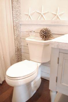 DYI wood walls love this for a beachy bathroom Seaside Bathroom, Beach Theme Bathroom, Coastal Bathrooms, Beach Bathrooms, Small Bathroom, Downstairs Bathroom, Beachy Bathroom Ideas, White Bathroom, Tranquil Bathroom