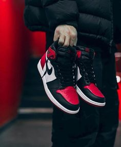 "bba00523709  everysize on Instagram  ""The ""Bred Toe"" will be released Feb.24th! Cop or  drop  📷   43einhalb ffm  sneakers  jordan1  goat"". Air Jordan ..."