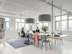 Ahrend Inspiration Centre hangende tafel