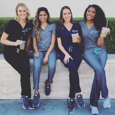 Can't wait for my uni dream team Medical Scrubs, Nurse Scrubs, Scrubs Uniform, Medical Students, Medical School, Nursing Goals, Grey's Anatomy, Beautiful Nurse, Medical Careers