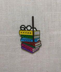 Harry Potter Lapel Pin Pile of Books