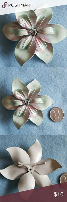 ENAMEL  Flower Brooch Vintage pin Fantastic condition 1955 Vintage Jewelry Brooches