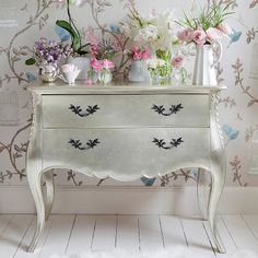 Sylvia Silver Chest of Drawers - traditional - dressers chests and bedroom armoires - The French Bedroom Company Silver Furniture, French Furniture, Painted Furniture, Bedroom Furniture, Furniture Design, Bedroom Chest, Chest Furniture, Shabby Chic Stil, Shabby Chic Decor