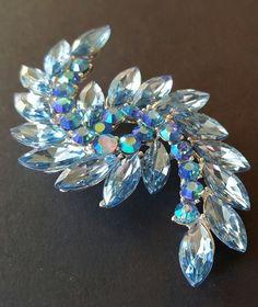 Vtg Style Brooch Pin High Quality Blue Crystal Rhinestone AB Flower Navette Z242