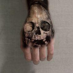 Skull Mandala Hand Tattoos, Skull Hand Tattoo, Hand Tats, Skull Tattoos, Body Art Tattoos, Hand Tattoos For Guys, Pin Up Tattoos, Badass Tattoos, Unique Tattoos