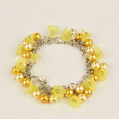 PandaHall Jewelry—Fashion Glass Pearl Bracelets with Acrylic Flower Beads | PandaHall Beads Jewelry Blog