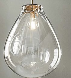 Love this shade. Would love to try it with Plumen bulbs. Perfect proportions!