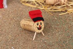 tio corcho Tio Nadal, Xmas, Christmas Ornaments, Cork, Activities For Kids, Arts And Crafts, Holiday Decor, Diy, Handmade