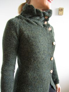 Ravelry.com Tammykins Winterwood.... imagining how the collar would be if not buttoned all the way up and think it would sit beautifully.