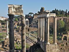 Vista do Foro dende o Tabularium    En primeiro plano o templo da Concordia, seguido, á dereita, polo templo de Saturno.