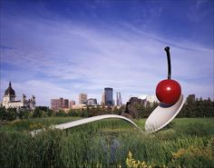 Spoonbridge and Cherry - Claes Oldenburg