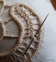 КРУЖЕВО МАКРАМЕ' РУМЫНСКИЙ - POINT LACE : Точка вышивка крест-накрест подходит для листьев и не только...