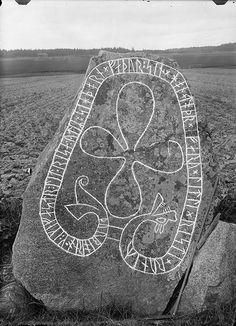 Rune stone, Grallsta, Vastmanland, Sweden