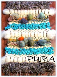 Detalle Telar Weaving Projects, Weaving Art, Loom Weaving, Textiles, Textile Prints, Textile Art, Weaving Techniques, Rug Hooking, Basket Weaving