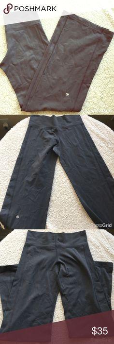 "Lululemon grey pants size 4 Amazing condition lululemon exersize pants. Very comfortable. Size 6. Missing the waist string ( replaceable). Extremely flattering. Inseam 29"" lululemon athletica Pants Track Pants & Joggers"