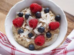 I love colourful food 🍓🌽🍏 more than colourful clothes 👗👛👠🙋 Lidl, Food Coloring, Oatmeal, Breakfast, Food Food, The Oatmeal, Morning Coffee, Rolled Oats