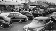 U.S. people line up to buy homes in Levittown, NY, 1957
