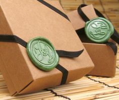 Wedding Favor Box, Kraft Spuare Gift Box with Elastic Band Wedding Monogram Wax Seal Ornament Set of 60 via Etsy Soap Packaging, Jewelry Packaging, Carton Invitation, Gift Wraping, Wax Seal Stamp, Client Gifts, Wedding Favor Boxes, Gift Tags Printable, Monogram Wedding