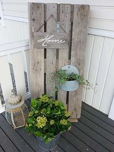 Sisustus | Turun Kuormalava Front Porch Garden, Terrace Garden, Outdoor Landscaping, Outdoor Gardens, Outdoor Projects, Outdoor Decor, Paper Wall Art, Garden Yard Ideas, Ramadan Decorations