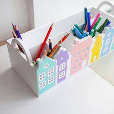 Can be Gift for artists. Beautiful Pencil stand or Crayon organizer Kids Desk Organization, Crayon Organization, Crayon Holder, Pencil Holder, Cardboard Box Crafts, Wood Crafts, Diy For Kids, Gifts For Kids, Kids Birthday Presents