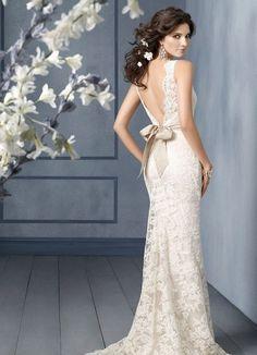 Beautiful lace wedding dress with open v back. #Lace #weddingdress #brbridal