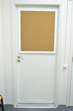 Пробковая доска с белоснежной рамкой для турфирмы Be Fit Travel, г. Санкт-Петербург.