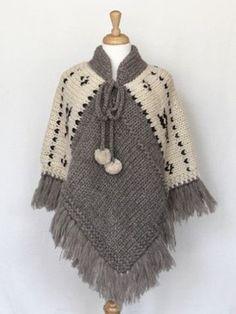 ponchos y capas tejidas a crochet con borlas