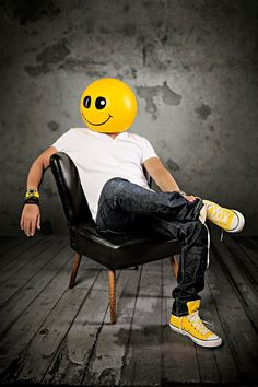 Mike Candys - http://raannt.com/mike-candys-sunshine-is-it-better-than-call-me-maybe/#