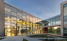 Escuela Ewing Marion Kauffman, Kansas City, MO - Perkins+Will - © James Steinkamp