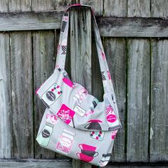 1 Yard Magic Messenger Bag from Lecien Fabrics! {free pattern} — SewCanShe | Free Daily Sewing Tutorials