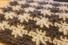 Basics :: How to crochet the feather stitch
