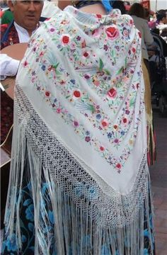 """Flamenco shawls are beautiful to look at and warm to wear. But in flamenco dance, the shawl or """"manton"""" is also an important (and useful) part of the costume and is also used as a dramatic prop. Boho Outfits, Vintage Outfits, Boho Fashion, Vintage Fashion, Tribal Belly Dance, Ballroom Dance Dresses, Silk Shawl, Folk Costume, Dance Costumes"""
