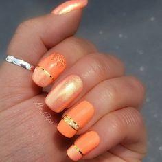 💅 @chinaglazeofficial - 1211 Sun of a peach / 829 goddes 💖 💅 @opi_products - ski slope sweetie 💞 💅 @dm_p2cosmetics - simply matte nail top coat 😍 --------------------- #inspired_nailart #nailart #nailartwow #nails2inspire #nailsoftheday #nailsfashion #fashionnails #makeup #makeupartist #instanails #instamakeup #nails #nailporn #nailpolish #naillacquer #girlynailsdeluxe #wakeupandmakeup #makeupaddict  #undiscovered_muas #glitternails #glitteraddict #makeupoftheday #nagellack #lipart…