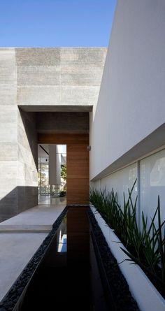 Zhahala House, Tel Aviv by Pitsou Kedem Architects