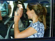 La Duquesa de Cambridge elige un vestido floral para su segunda salida después de dar a luz   Fashion Assistance