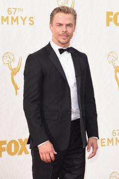 Pin for Later: De Nombreuses Stars se Sont Retrouvé Sur le Tapis Rouge des Emmy Awards Derek Hough