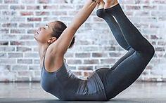 10 geniale Yoga-Accessoires, die alle Yoginis zu Hause haben sollten!
