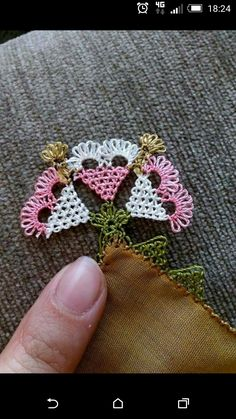 We have compiled free needle lace patterns and samples for every skill level. Browse lots of Free Crochet Patterns and Samples. Afghan Crochet Patterns, Lace Patterns, Embroidery Patterns, Hand Embroidery, Knitting Patterns, Crochet Gratis, Filet Crochet, Lace Flowers, Crochet Flowers