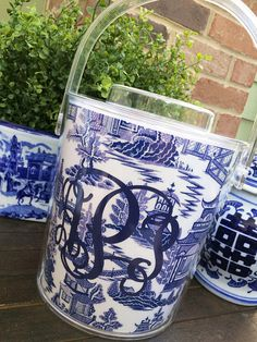 This listing is for ONE monogrammed acrylic chinoiserie ice bucket. They are perfect for dinner parties, a new apartment, a housewarming or hostess gift, or just because you deserve to be sassy! This durable bucket keeps ice frozen for hours. 3 QT capacity. Easy removable lid. Convenient handle. Hand wash only. Before adding this fabulous ice bucket to your cart, select your monogram font and color in the drop down. Colors and styles can be found in the pictures attached. In the notes…