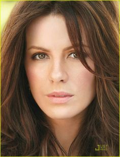 Kate Beckinsale pure beauty     <imdbot..