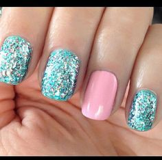 Statement nail  Just a great color combo.