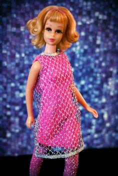 Vintage Twist n' Turn Francie - blonde flip |